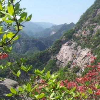 安徽安慶市大別山彩虹瀑布